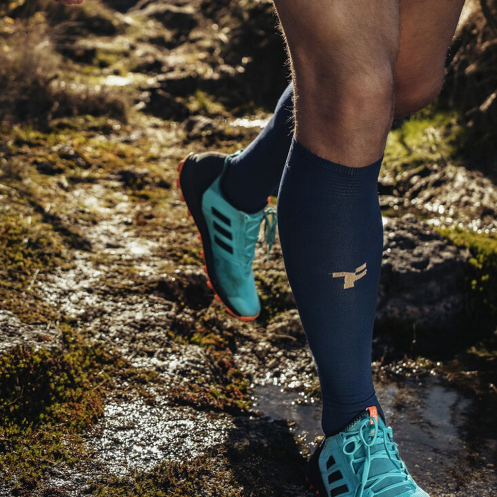 Fyke compressive long socks navy