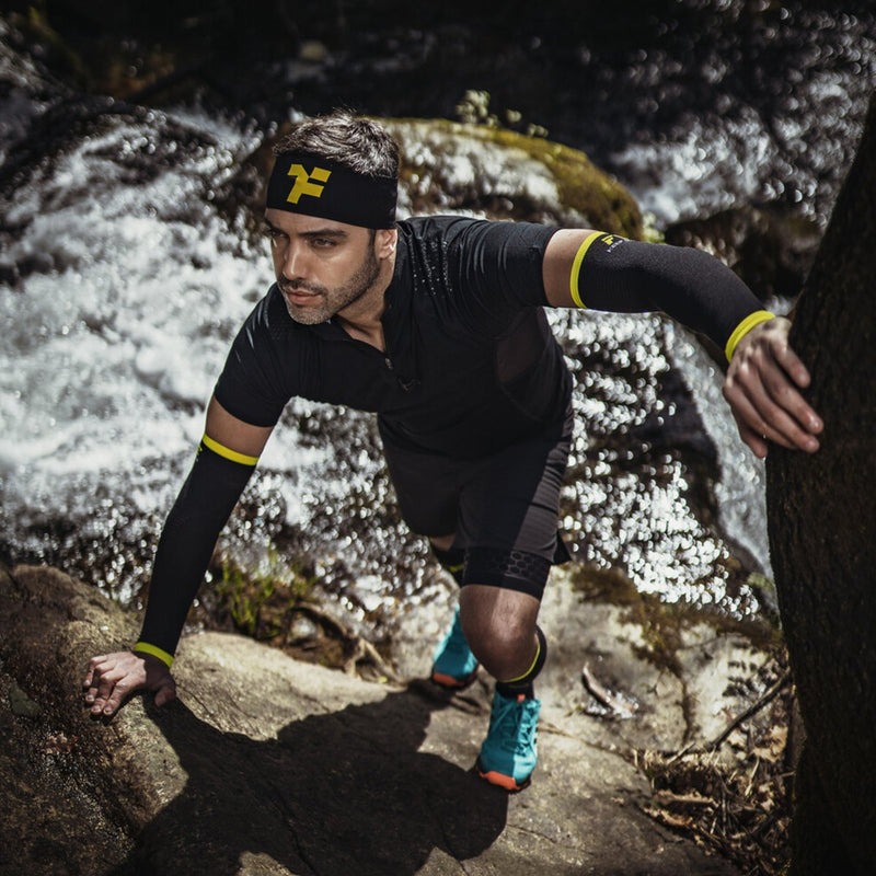Athlete Trail Running with fyke headwear