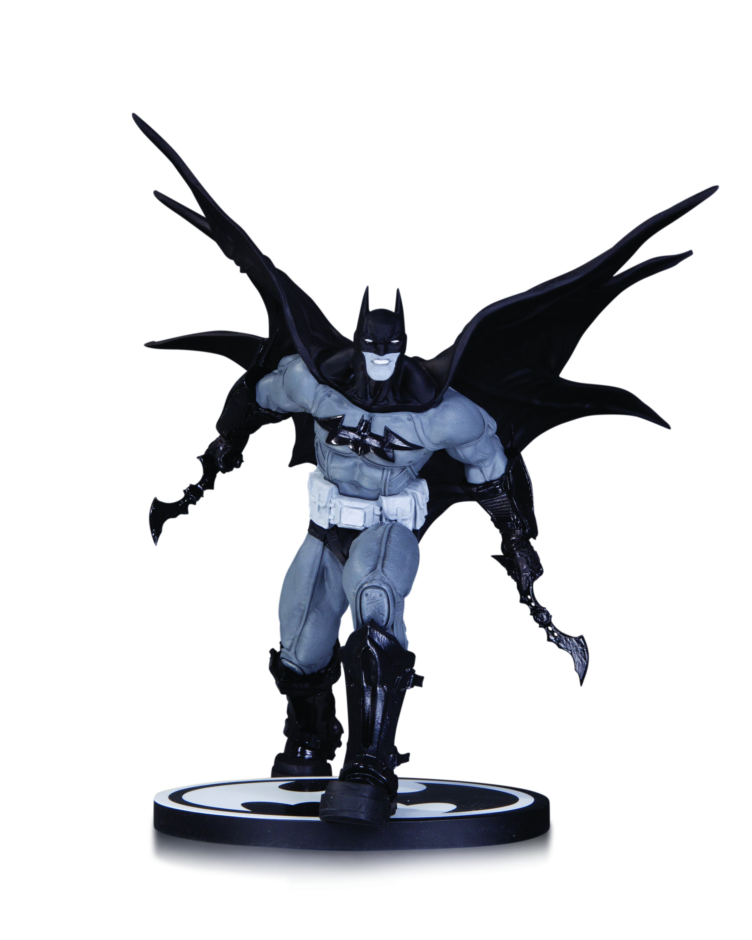 BATMAN BLACK & WHITE STATUE BY D'ANDA