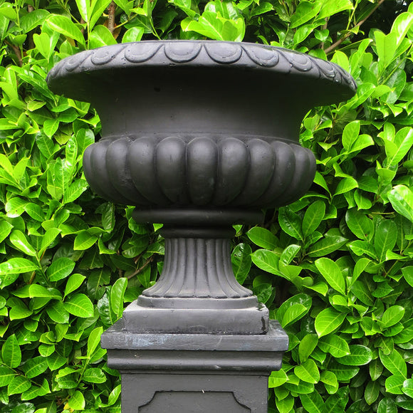 Blenheim Urn - Black