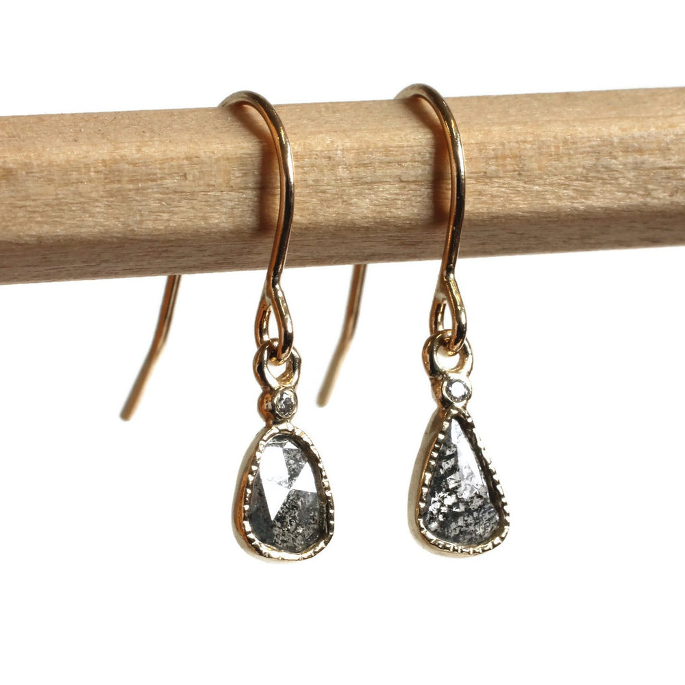 Diamond slice Earring -Winter Gray