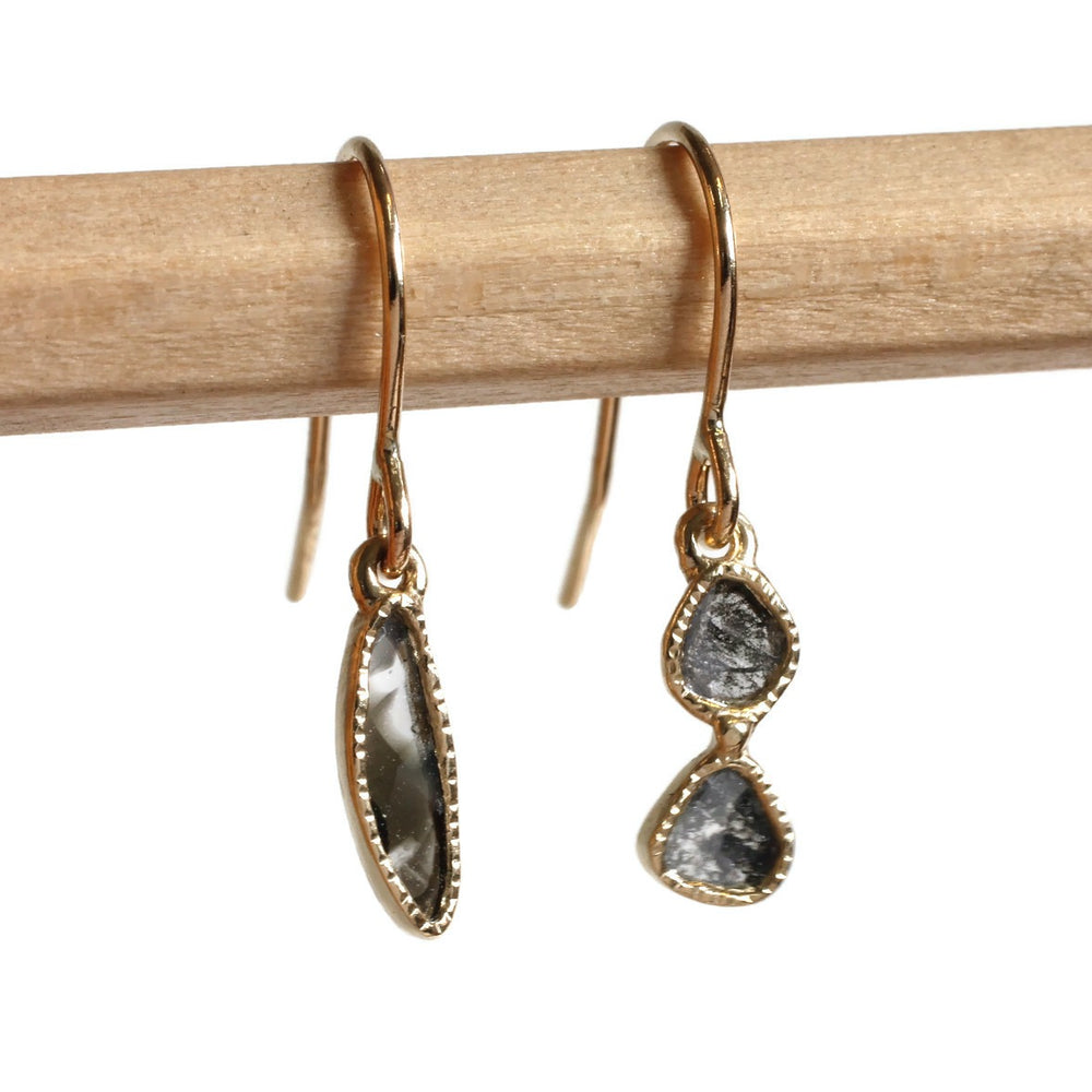 Diamond Slice Earring -Black Totem