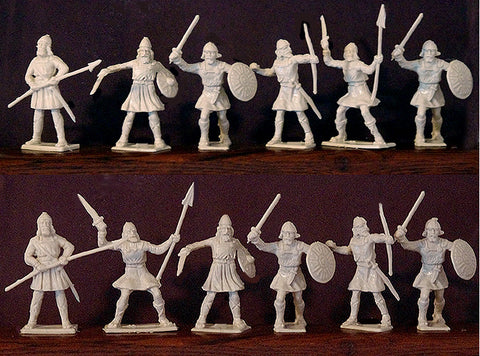 ICARUS - CHERILEA MEDIEVAL SAXONS, Five fighting poses - 12 Paintable Semi-Soft Plastic Toy Soldiers