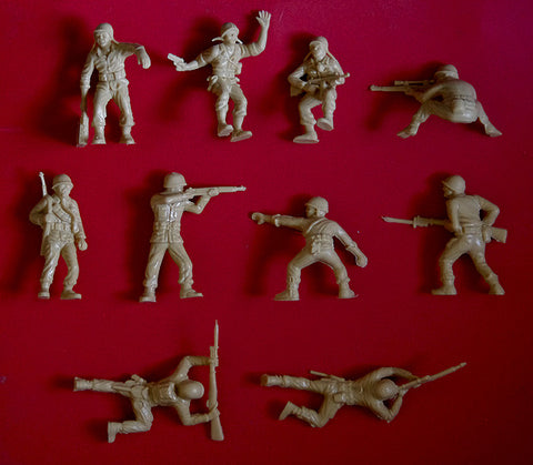 MARX Toy Soldiers 10 WWII American GIs - Reissued in Tan Plastic 1990s - New Unused