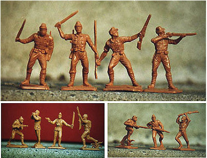 Oliver Japanese WWII Plastic Toy Soldiers in Medium Tan - 33 Toy Soldiers