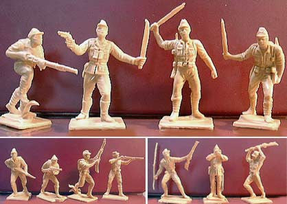 Oliver Japanese WWII Plastic Toy Soldiers in Light Tan - 12 Toy Soldiers
