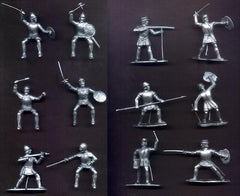 REAMSA CONQUISTADORS with IDEAL HORSES - 12 Plastic Toy Soldiers in 12 poses  with 5 Horses 60mm Silver Color Plastic