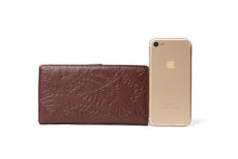 Load image into Gallery viewer, Wallet Teyla Fern Lei Embossed Brown
