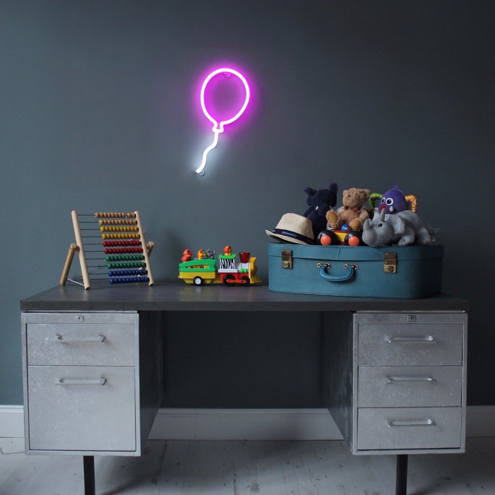 Balloon neon light