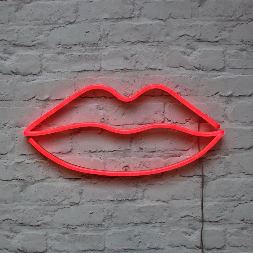 Red lips led neon