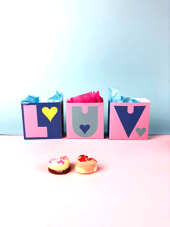 mothersday boxes diy, LUV letters and colour me in