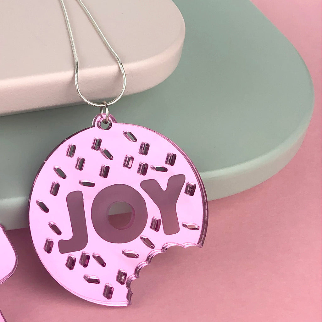 Joy doughnut necklace; mirror pink