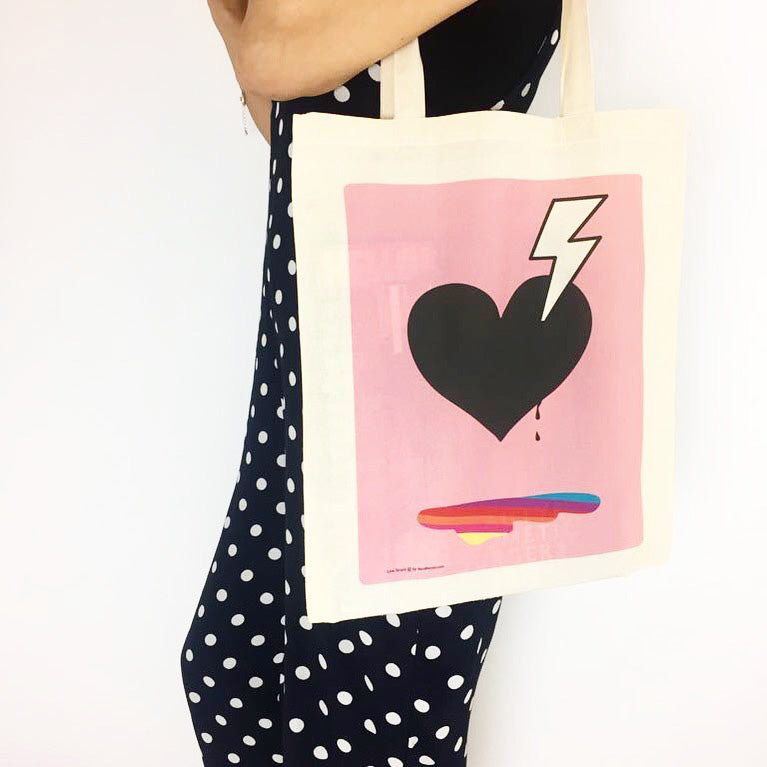 Doodlemoo Tote bag with Love Struck design in pink