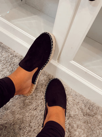 On My Mind Taffy Black Slip On's