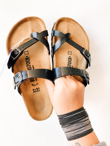 Mayari Graceful Licorice Birkenstocks | Black