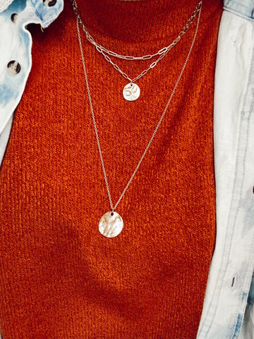 Dainty Layered Disk Detail Necklace