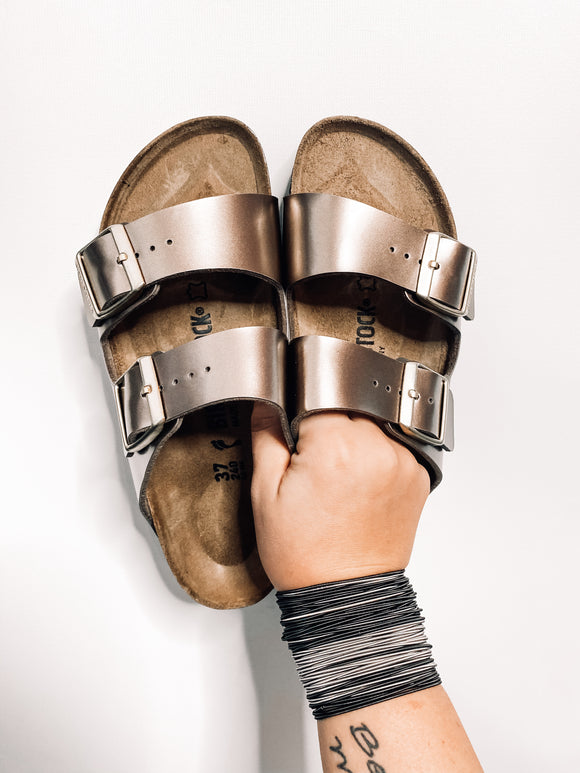 Arizona Electric Metallic Birkenstocks | Taupe | Narrow