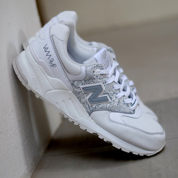 Hypnopompic 2.0 Sole Superior NB999 Wolf Grey - meaniemart, pins, patches