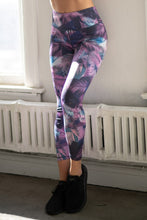 Load image into Gallery viewer, High Rise Feather Print Leggings - SportyLeggings.com