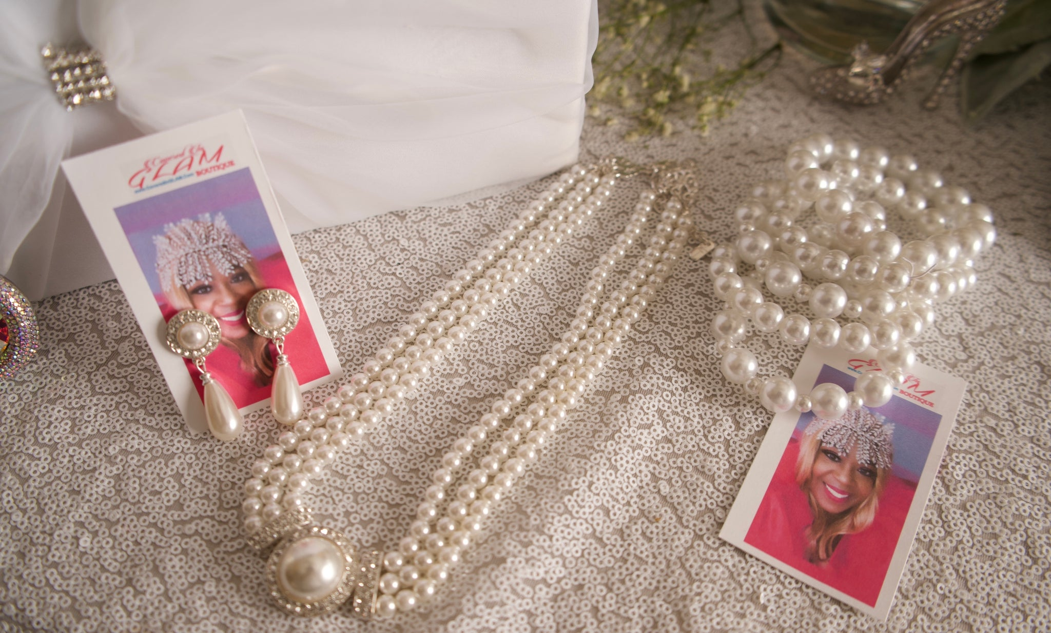 GLAM - Pearls for the Girl Set