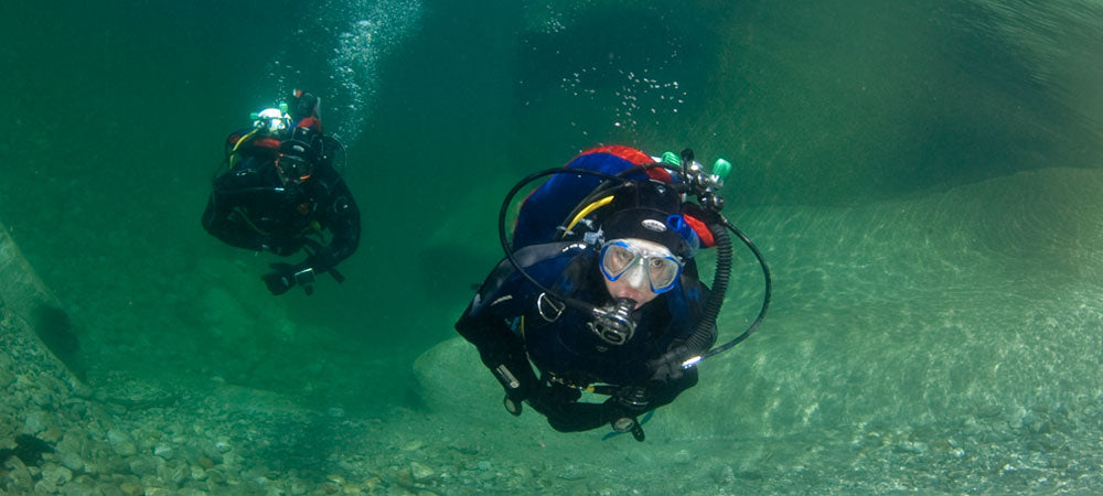 Is there a minimum age for scuba diving in the UK