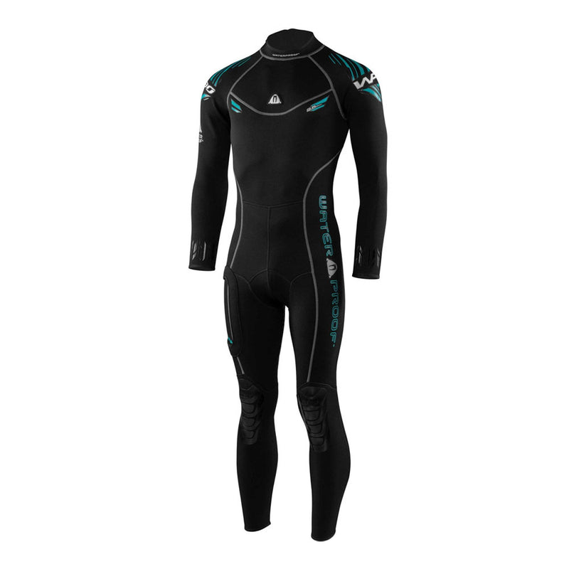 Waterproof W30 2.5mm Mens Wetsuit from the front | Scuba Leeds UK