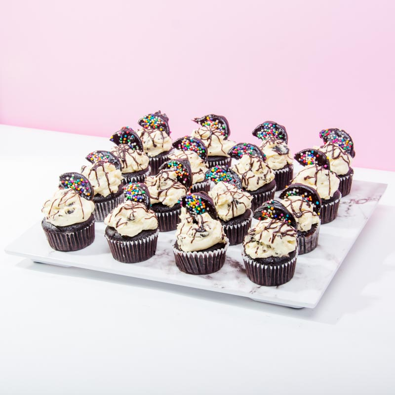 Cookies Monster Cupcakes (16 Pieces) - CakeRush