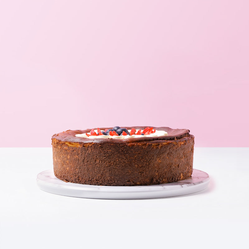 Burnt Cheesecake With Berries - CakeRush