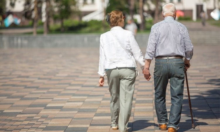 Health Benefits of Walking for Seniors