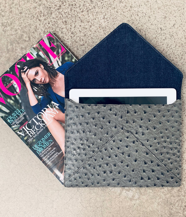 Ipad Clutch - Grey Dot