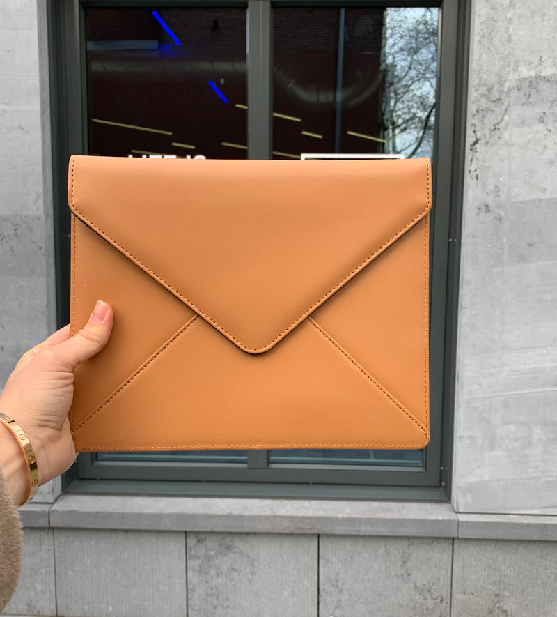 Ipad clutch - camel