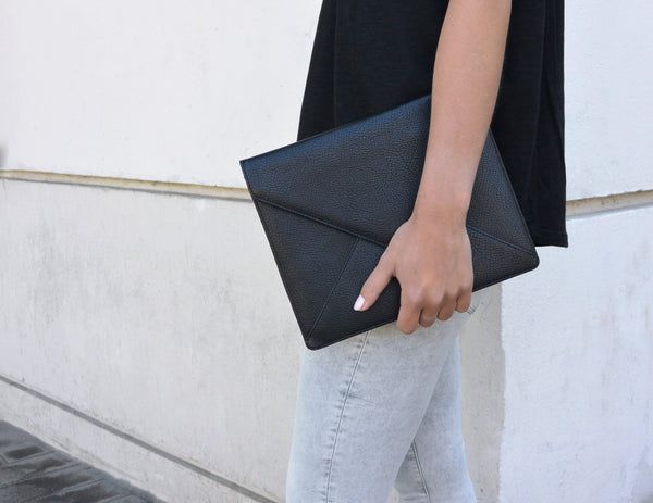 Ipad Clutch - Black