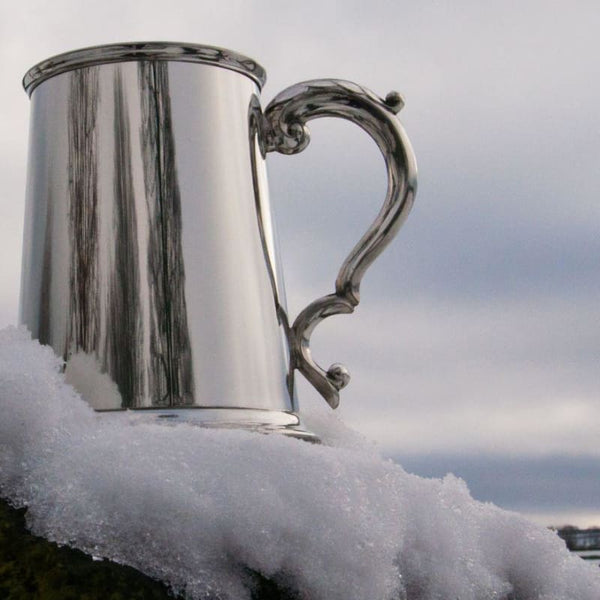Plain Fancy Handle 1 pint Pewter Tankard