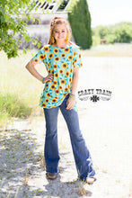 Load image into Gallery viewer, Sassy Mint Sunflower - Sister Tribe Boutique