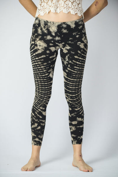 Oval Swirls Tie Dye Cotton Leggings in Black