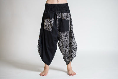 Two Tone Maze Print Women's Three Quarter Pants in Black