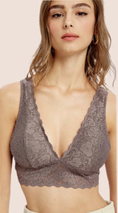 Scalloped Lace V Neck Padded Bralette {S/M/L/}