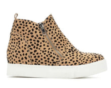 Load image into Gallery viewer, Leopard Wedge Sneakers