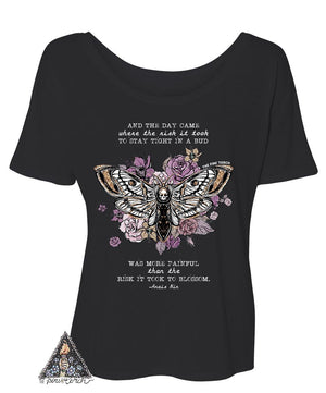 « AND THE DAY CAME TO BLOSSOM » WOMEN'S SLOUCHY OR UNISEX TEE