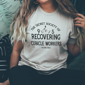 « SECRET SOCIETY OF RECOVERING CUBICLE WORKERS » UNISEX TEE