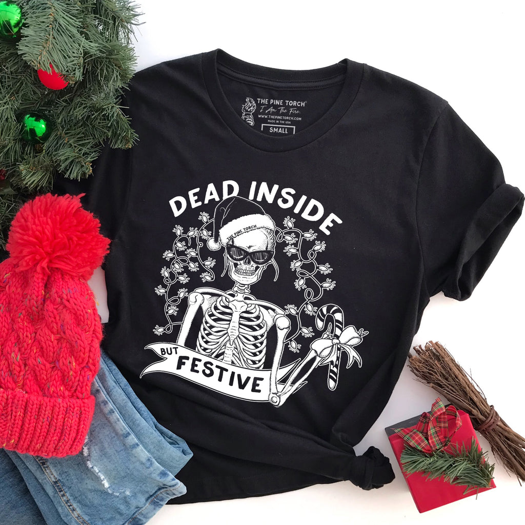 « DEAD INSIDE BUT FESTIVE » WOMEN'S SLOUCHY OR UNISEX TEE