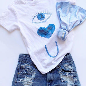 SPECIAL EDITION COLLAB « EYE LUV U » HAND DYED TOPKNOT + TEE