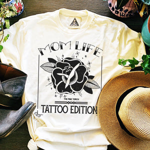 «  MOM LIFE - TATTOO EDITION » CREAM UNISEX TEE
