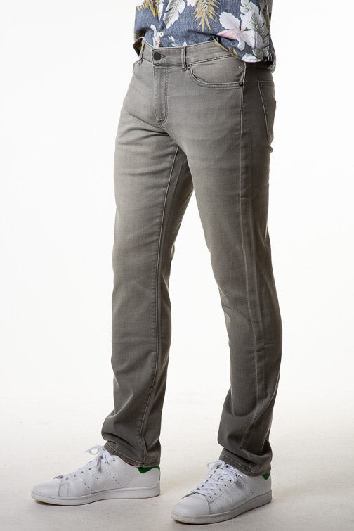 DL1961 Russell Slim Straight Jean - Ether
