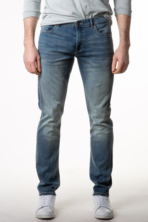 DL1961 Russell Slim Straight Jean 10380 - Bungalow