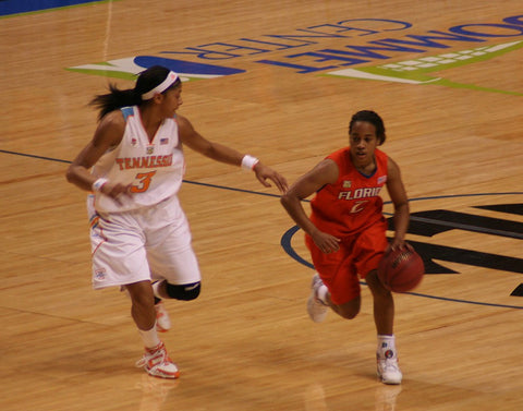 Candace Parker Wearing a White Headbands