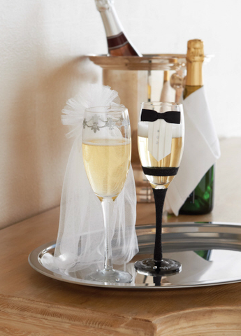 Bride & Groom Stemmed Champagne Glass Set
