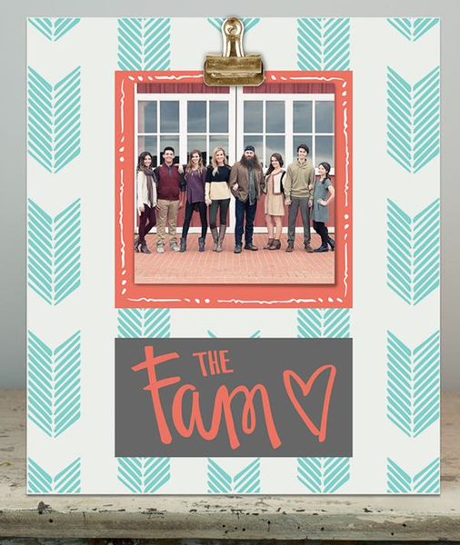 The Fam Wood Clip Frame by Sadie Robertson