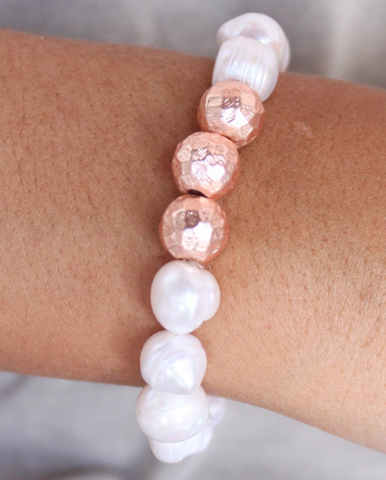 Heny Pearl & Hammered Metal Bracelet-Rose Gold