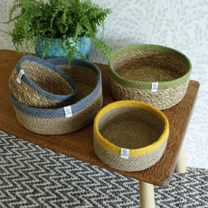 ReSpiin Shallow Seagrass & Jute Medium Basket - Natural/Green